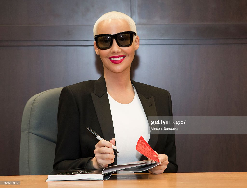 'how To Be A Bad Bitch' At Amber Rose Book Signing For How To
