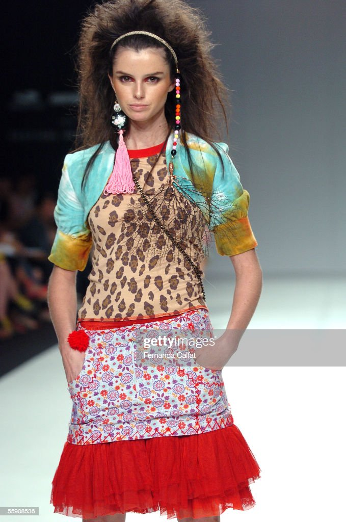 Model Ana Carolina Reston presents a creation by JPig during the Amni Hot Spot - Minas Cult Fashion Show at Praca da Estacao in Belo Horizonte, Brazil, April 14, 2005.