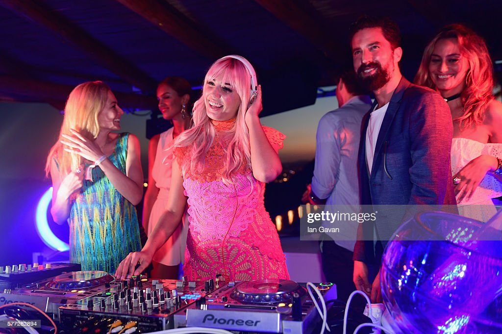 Model and DJ Amber Le Bon was joined by Clara Paget Jack Guiness and Lima Che when she took to the decks for the first time as she was seen DJing at...