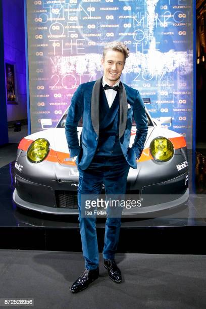 Model and influencer Simon Lohmeyer arrives for the GQ Men of the year Award 2017 at Komische Oper on November 9 2017 in Berlin Germany