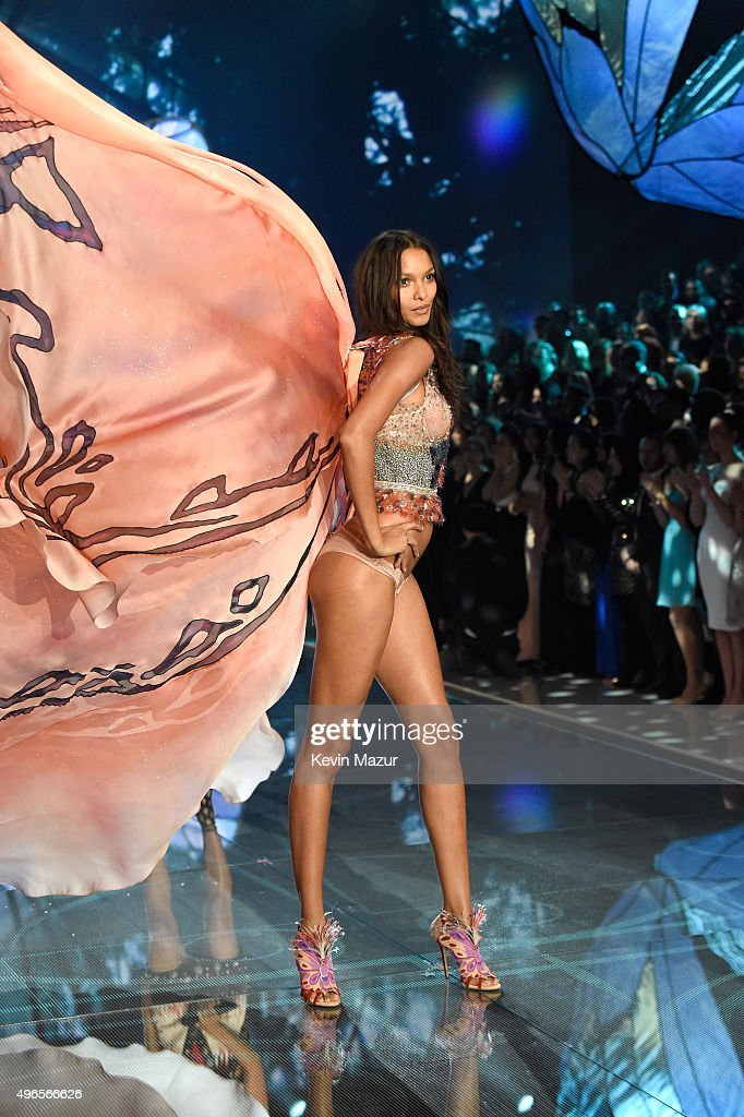 Model and New Victoria's Secret Angel Lais Ribeiro from Brazil walks the runway during the 2015 Victoria's Secret Fashion Show at Lexington Armory on November 10, 2015 in New York City.
