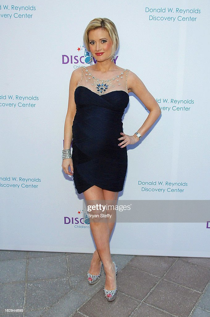 Model and television personality Holly Madison arrives at the Discovery Children's Museum opening at The Smith Center for the Performing Arts Campus on March 1, 2013 in Las Vegas, Nevada.