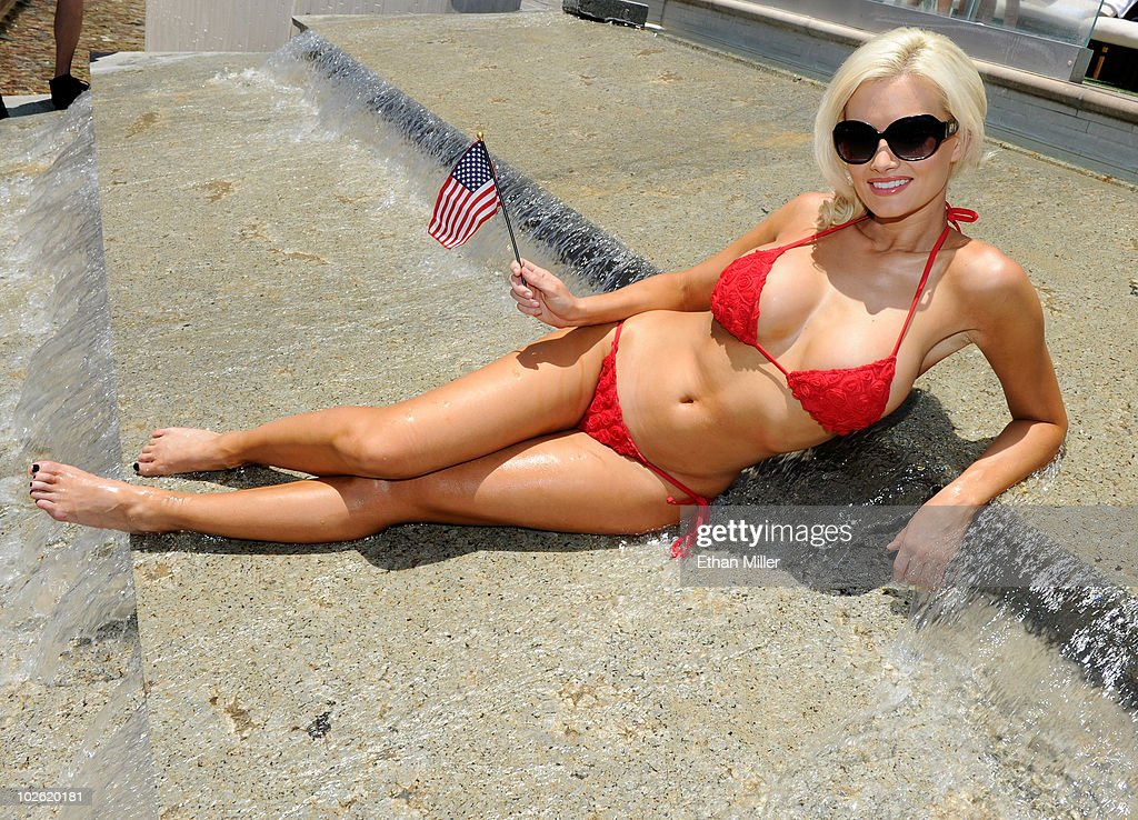 Model and television personality holly madison hosts a fourth of july