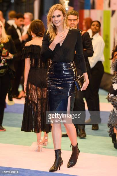 Model and television personality Karlie Kloss enters the CFDA Fashion Awards at Hammerstein Ballroom on June 5 2017 in New York City