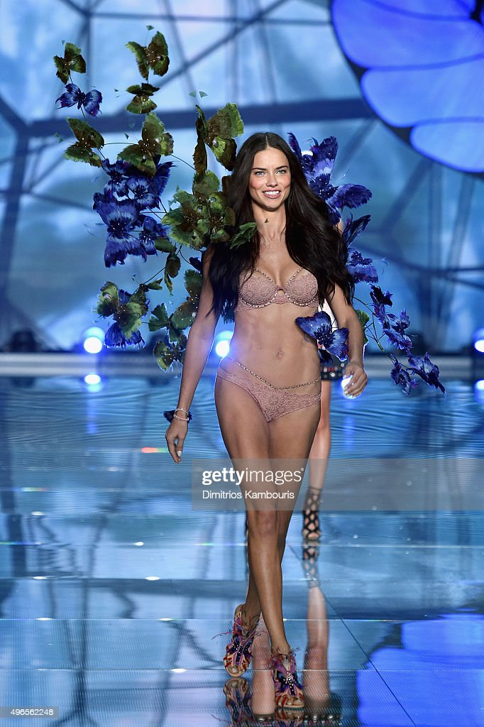 Model and Victoria's Secret Angel <a gi-track='captionPersonalityLinkClicked' href=/galleries/search?phrase=Adriana+Lima&family=editorial&specificpeople=182444 ng-click='$event.stopPropagation()'>Adriana Lima</a> walks the runway during the 2015 Victoria's Secret Fashion Show at Lexington Avenue Armory on November 10, 2015 in New York City.