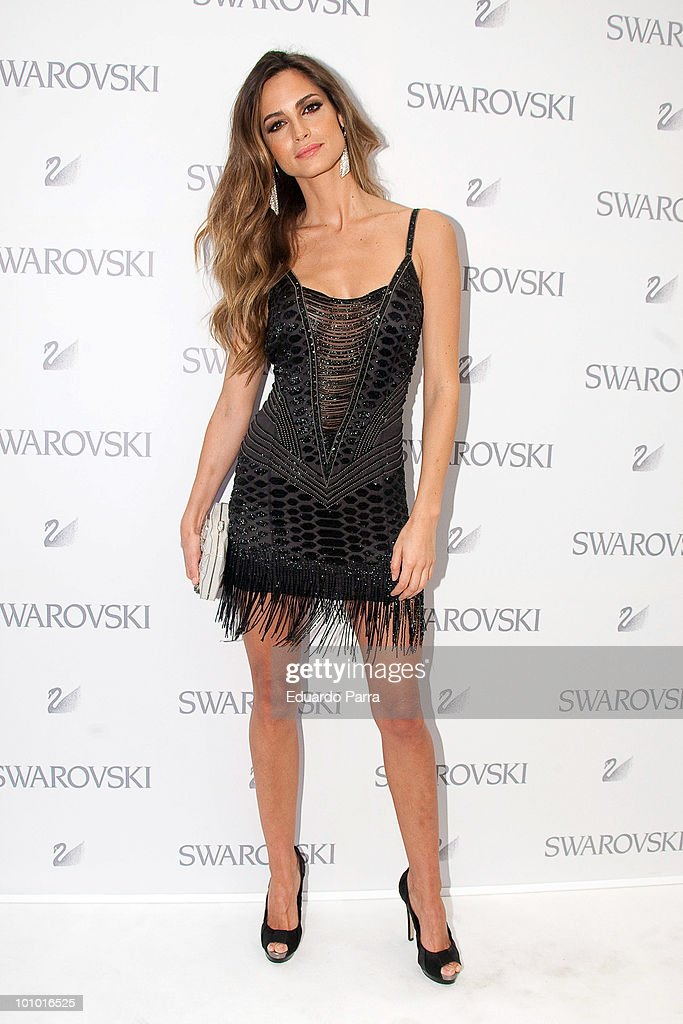 Model Ariadne Artiles attends Swarovski new boutique opening photocall at Swarovski boutique Gran Via 39 on May 27, 2010 in Madrid, Spain.