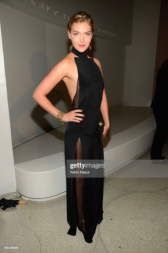 Model <a gi-track='captionPersonalityLinkClicked' href=/galleries/search?phrase=Arizona+Muse&family=editorial&specificpeople=7109685 ng-click='$event.stopPropagation()'>Arizona Muse</a> attends the Estee Lauder 'Modern Muse' Fragrance Launch Party at the Guggenheim Museum on September 12, 2013 in New York City.