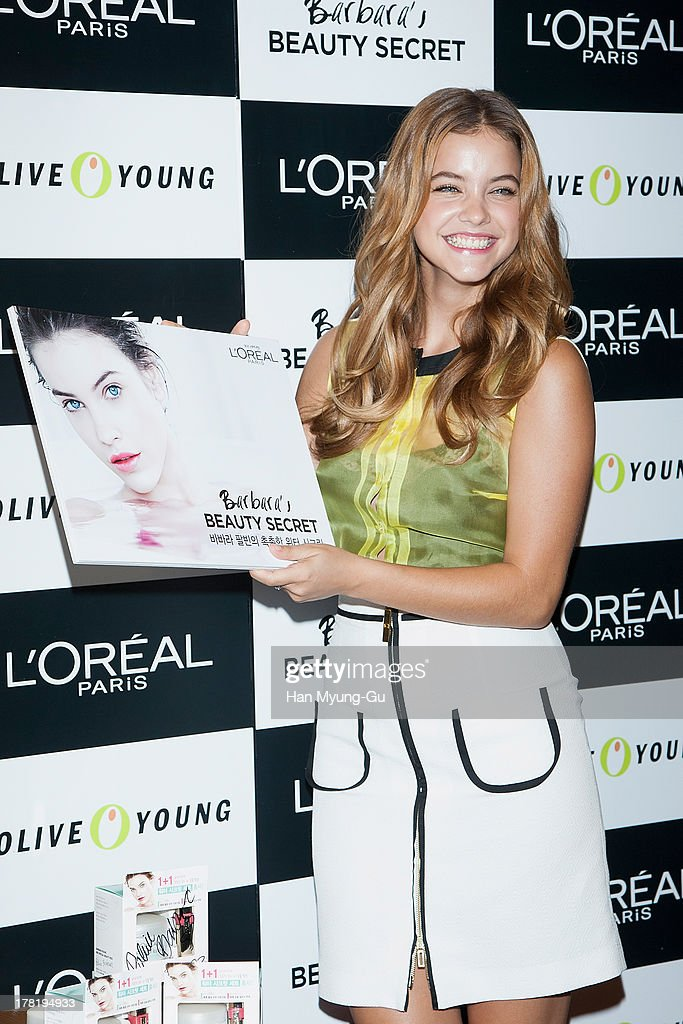 Model <a gi-track='captionPersonalityLinkClicked' href=/galleries/search?phrase=Barbara+Palvin&family=editorial&specificpeople=7190694 ng-click='$event.stopPropagation()'>Barbara Palvin</a> attends during the autograph session for LOREAL at the Olive Young store on August 27, 2013 in Seoul, South Korea.