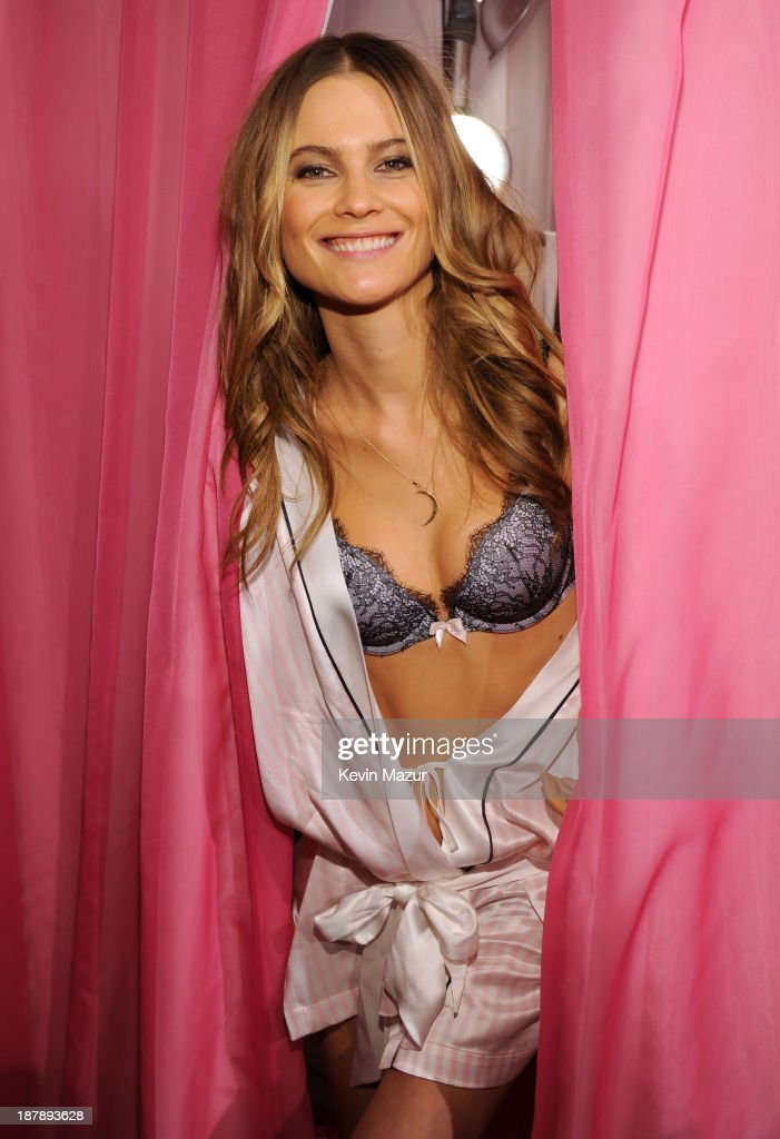 model behati prinsloo poses at the 2013 victoria s secret fashion show