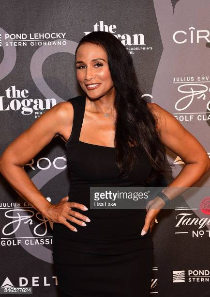 Model Beverly Johnson attends the Erving Golf Classic Black Tie Ball sponsored by Delta Airlines Pond LeHocky Law with cocktails presented by...