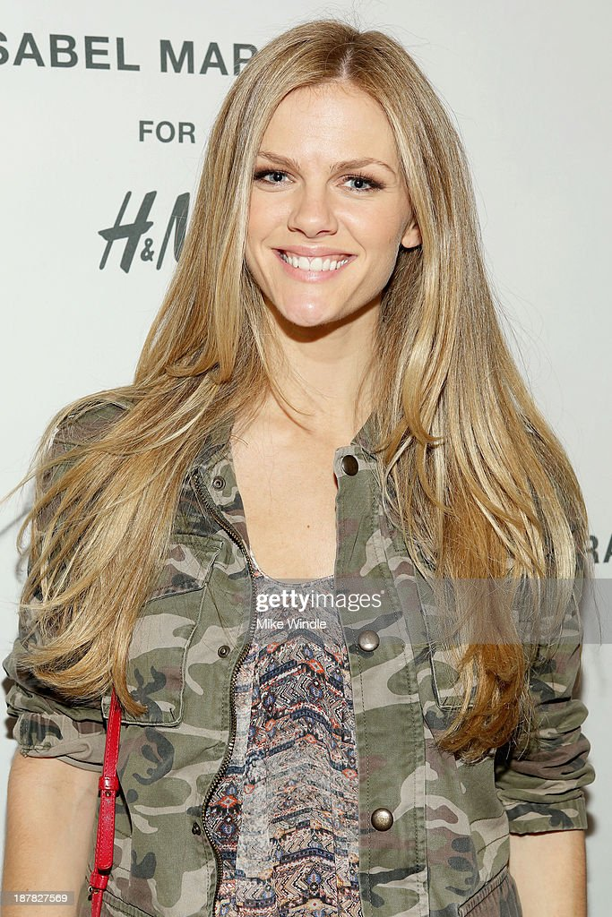 Model <a gi-track='captionPersonalityLinkClicked' href=/galleries/search?phrase=Brooklyn+Decker&family=editorial&specificpeople=815965 ng-click='$event.stopPropagation()'>Brooklyn Decker</a> attends the H&M Isabel Marant VIP Pre Shop Event at H&M on November 12, 2013 in West Hollywood, California.