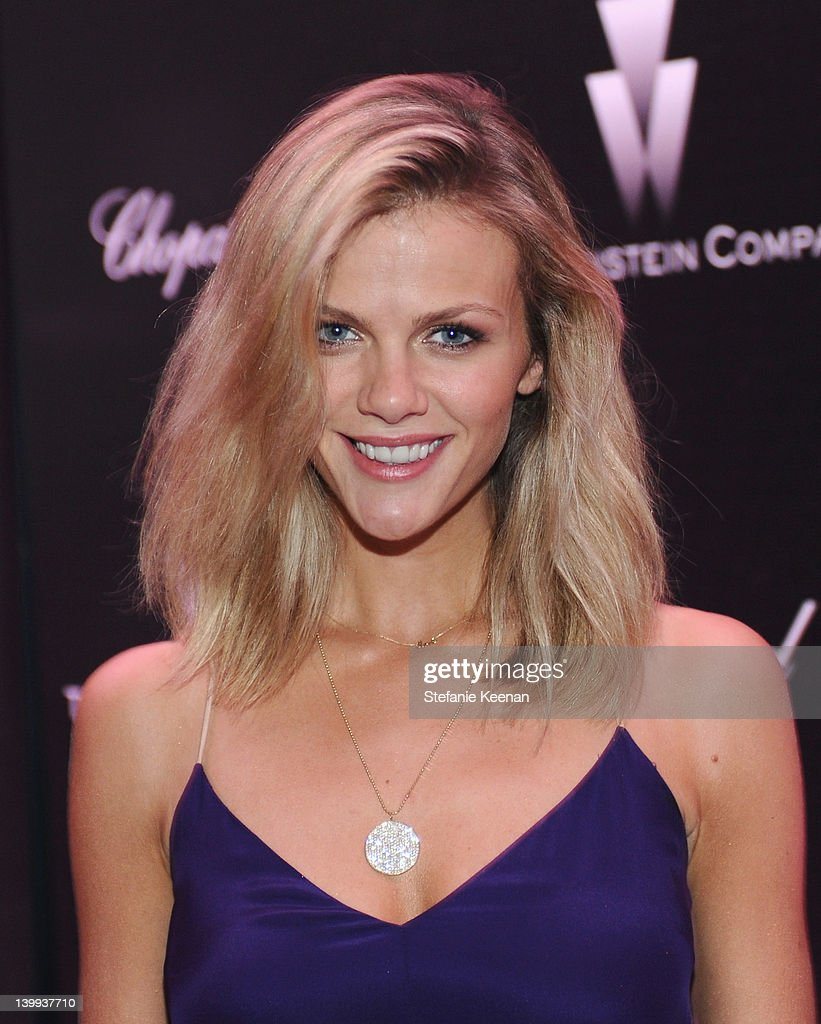 Model <a gi-track='captionPersonalityLinkClicked' href=/galleries/search?phrase=Brooklyn+Decker&family=editorial&specificpeople=815965 ng-click='$event.stopPropagation()'>Brooklyn Decker</a> attends the Weinstein Company celebrates the 2012 Academy Awards presented by Chopard at Soho House on February 25, 2012 in West Hollywood, California.