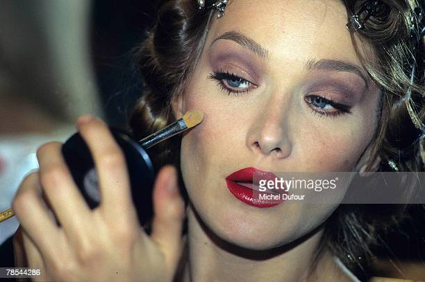 PARIS Model Carla Bruni applies makeup in Paris France According to reports December 18 2007 French President Nicolas Sarkozy has asked the Italian...