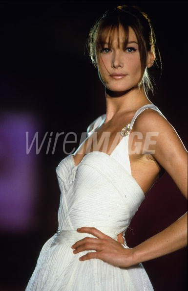Model Carla Bruni Walks The Catwalk At A Versace Show In Paris France Wireimage 78544376