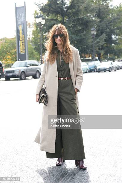 Model Caroline De Maigret wears a Chanel bag on day 8 during Paris Fashion Week Spring/Summer 2016/17 on October 6 2015 in Paris France Caroline De...