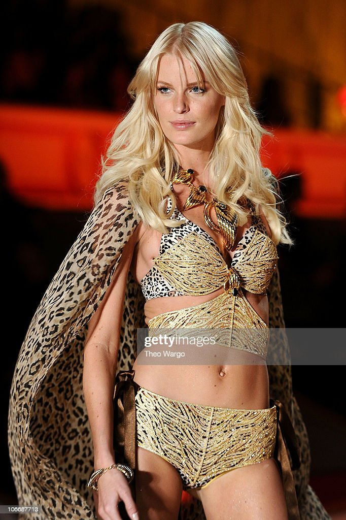 Model <a gi-track='captionPersonalityLinkClicked' href=/galleries/search?phrase=Caroline+Winberg&family=editorial&specificpeople=857116 ng-click='$event.stopPropagation()'>Caroline Winberg</a> walks the runway during the 2010 Victoria's Secret Fashion Show at the Lexington Avenue Armory on November 10, 2010 in New York City.