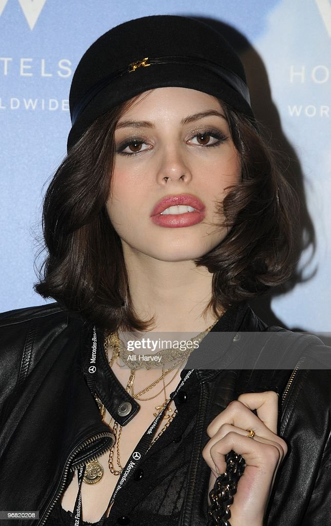 Kemp Muhl Nude Photos 44