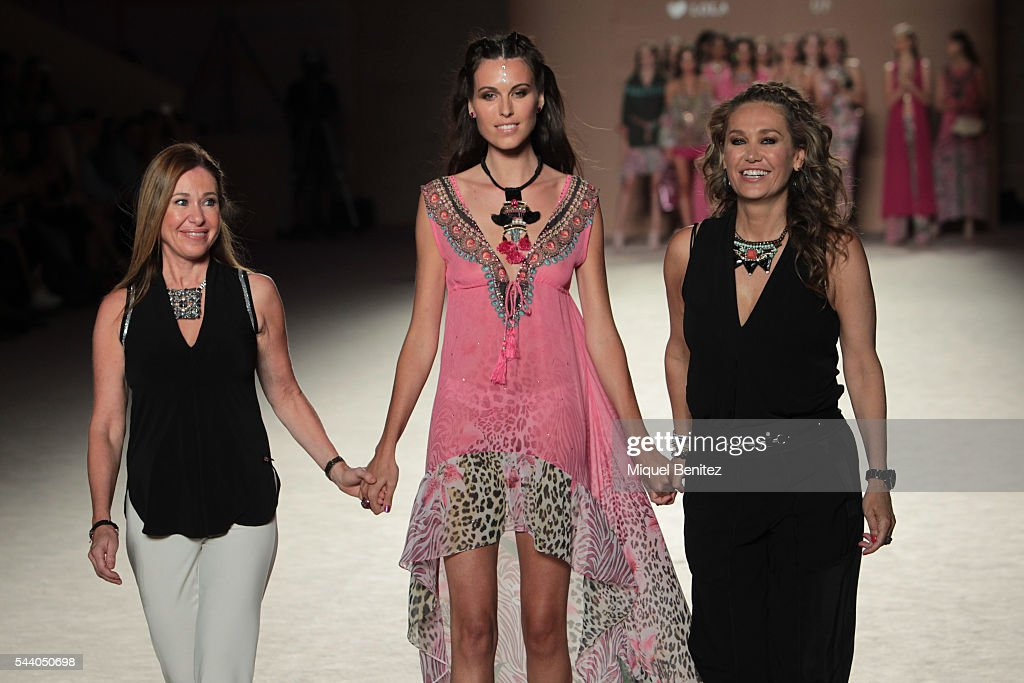 Model Charlotte Murray (C) and Mar Gasso (R) and Maite Gasso walk the runway at the Lola Casademunt show during the Barcelona 080 Fashion Week Spring/Summer 2017 at the INEFC Institut Nacional de Educacio Fisica de Catalunya on July 1, 2016 in Barcelona, Spain.