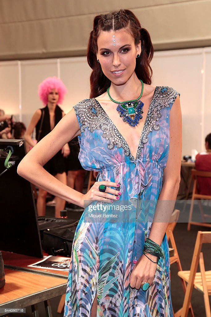Model Charlotte Murray attends at the backstage of Lola Casademunt collection during the Barcelona 080 Fashion Week Spring/Summer 2017 at the INEFC Institut Nacional de Educacio Fisica de Catalunya on July 1, 2016 in Barcelona, Spain.