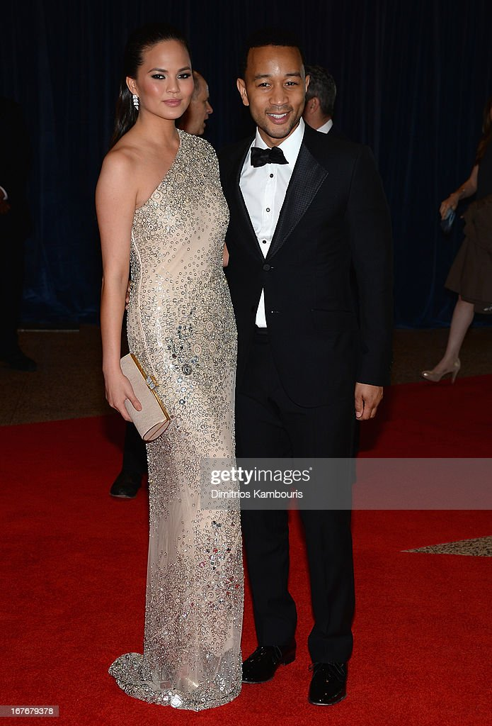 Model Chrissy Teigen (L) and musician <a gi-track='captionPersonalityLinkClicked' href=/galleries/search?phrase=John+Legend&family=editorial&specificpeople=201468 ng-click='$event.stopPropagation()'>John Legend</a> attends the White House Correspondents' Association Dinner at the Washington Hilton on April 27, 2013 in Washington, DC.