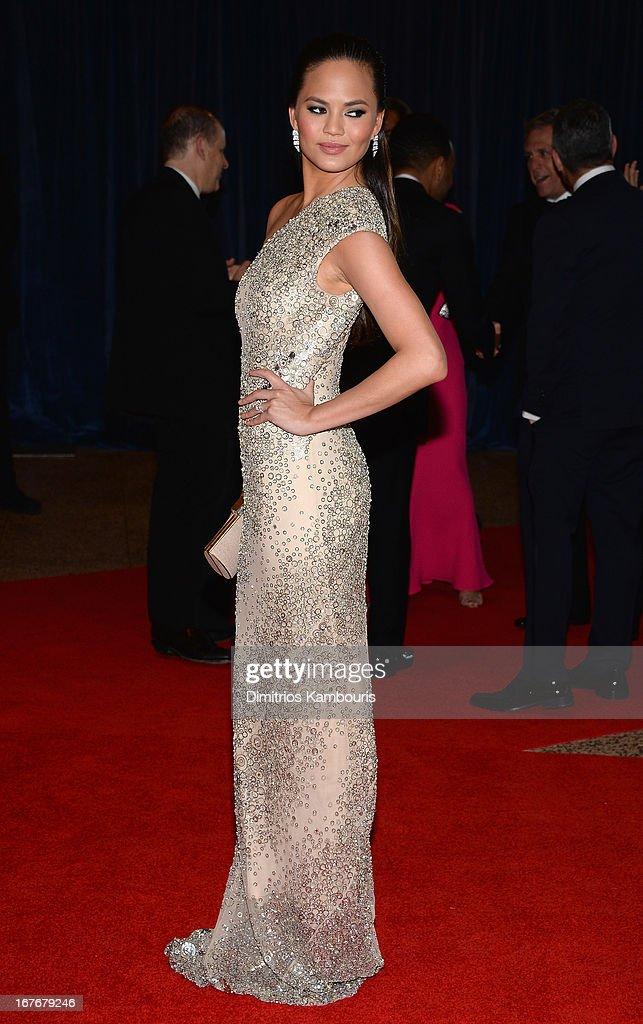 Model Chrissy Teigen attends the White House Correspondents' Association Dinner at the Washington Hilton on April 27, 2013 in Washington, DC.