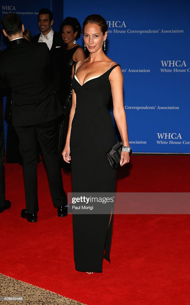 Model <a gi-track='captionPersonalityLinkClicked' href=/galleries/search?phrase=Christy+Turlington&family=editorial&specificpeople=207046 ng-click='$event.stopPropagation()'>Christy Turlington</a> attends the 102nd White House Correspondents' Association Dinner on April 30, 2016 in Washington, DC.