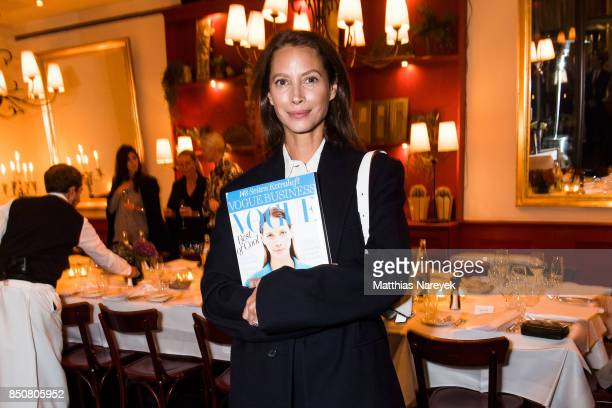 Model Christy Turlington Burns attends a special dinner at Borchardt Restaurant on September 21 2017 in Berlin Germany