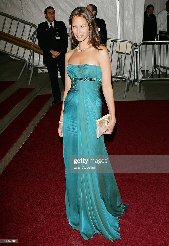 Model Christy Turlington poses before leaving The Metropolitan Museum of Art's Costume Institute Gala May 07, 2007 in New York City.