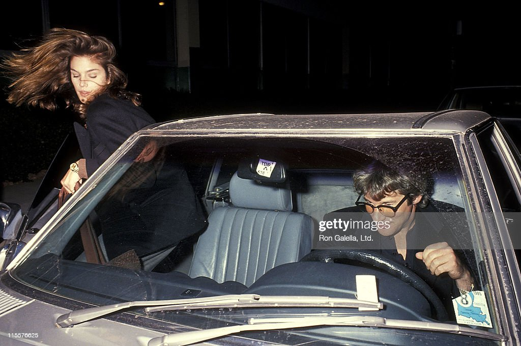 Model Cindy Crawford and actor Richard Gere on November 27 1990 dine at Muse in Los Angeles California