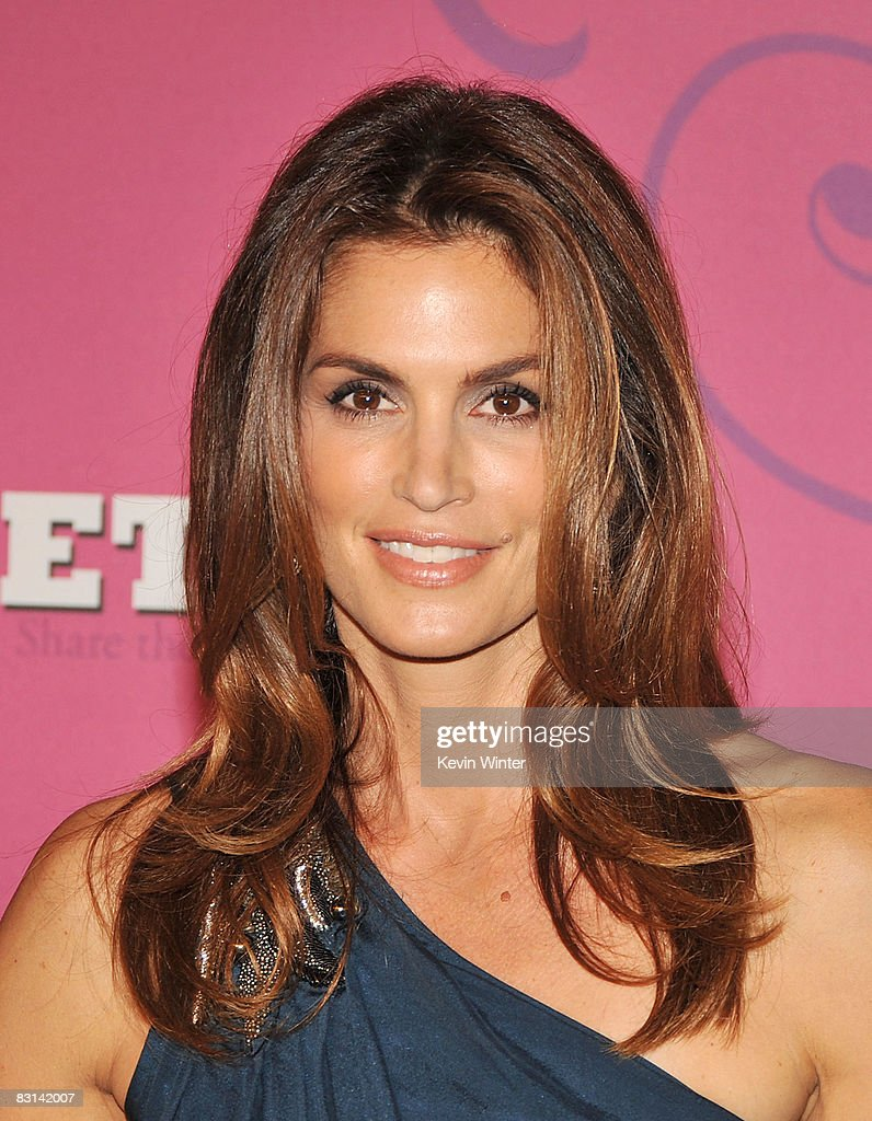 Model Cindy Crawford arrives at Miley Cyrus' 'Sweet 16' birthday celebration benefiting Youth Service America at Disneyland on October 5, 2008 in Anaheim, California.