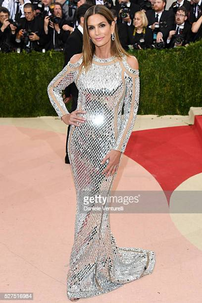 Model Cindy Crawford attends the 'Manus x Machina Fashion In An Age Of Technology' Costume Institute Gala at Metropolitan Museum of Art on May 2 2016...