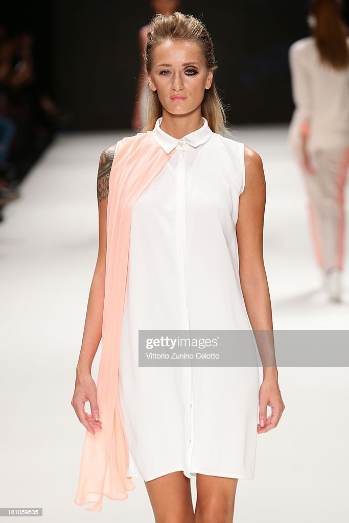 Model Didem Soydan walks the runway at the Argande show during Mercedes-Benz Fashion Week Istanbul s/s 2014 Presented By American Express on October 11, 2013 in Istanbul, Turkey.