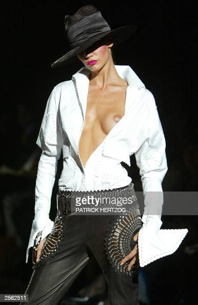 A model displays an outfit by italian de pictures getty - Mobeldesigner italien ...