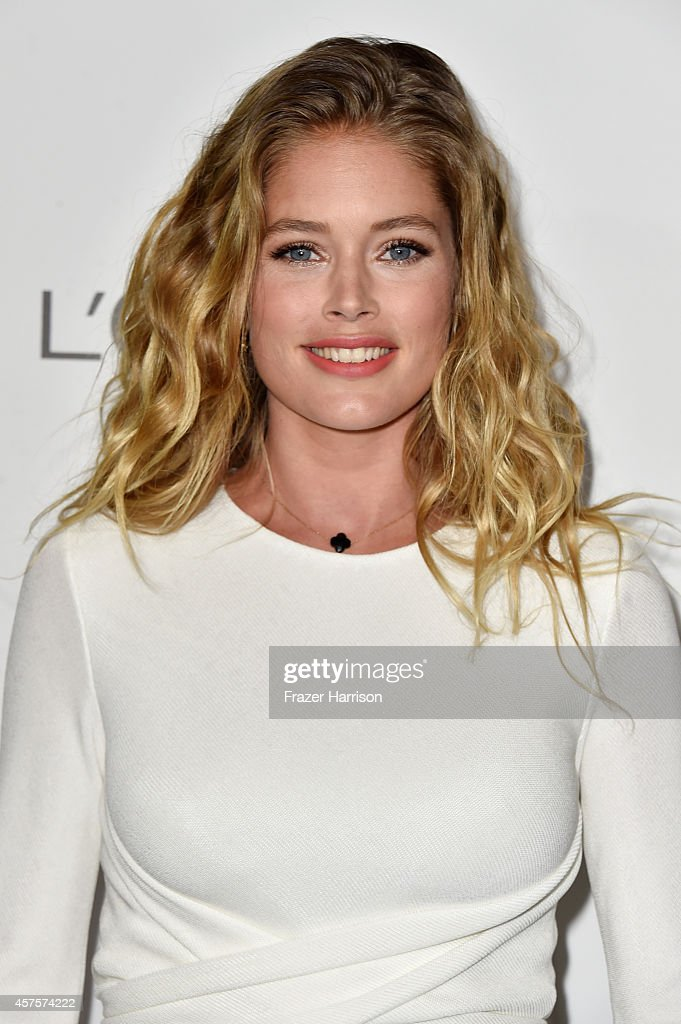 Model <a gi-track='captionPersonalityLinkClicked' href=/galleries/search?phrase=Doutzen+Kroes&family=editorial&specificpeople=859655 ng-click='$event.stopPropagation()'>Doutzen Kroes</a> arrives at ELLE's 21st Annual Women In Hollywood at Four Seasons Hotel Los Angeles at Beverly Hills on October 20, 2014 in Beverly Hills, California.