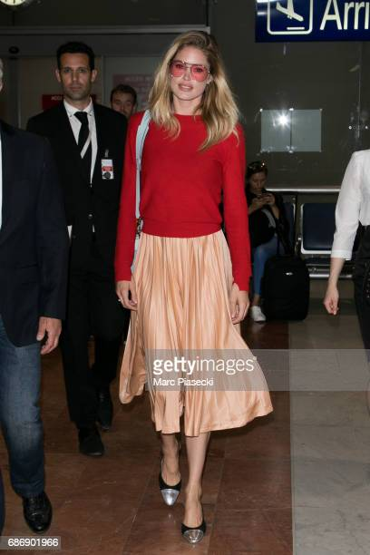 Model Doutzen Kroes arrives at Nice airport during the 70th annual Cannes Film Festival at on May 22 2017 in Cannes France