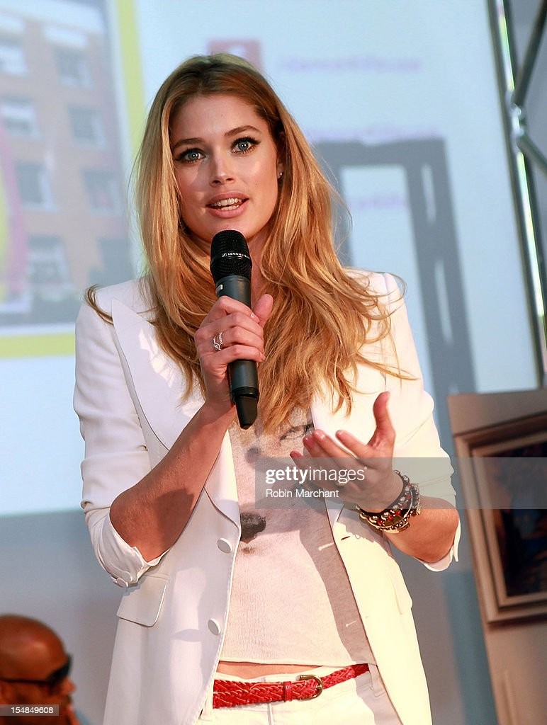 Model Doutzen Kroes attends dance4life Cocktail Party at Milk Studios on October 27, 2012 in New York City.