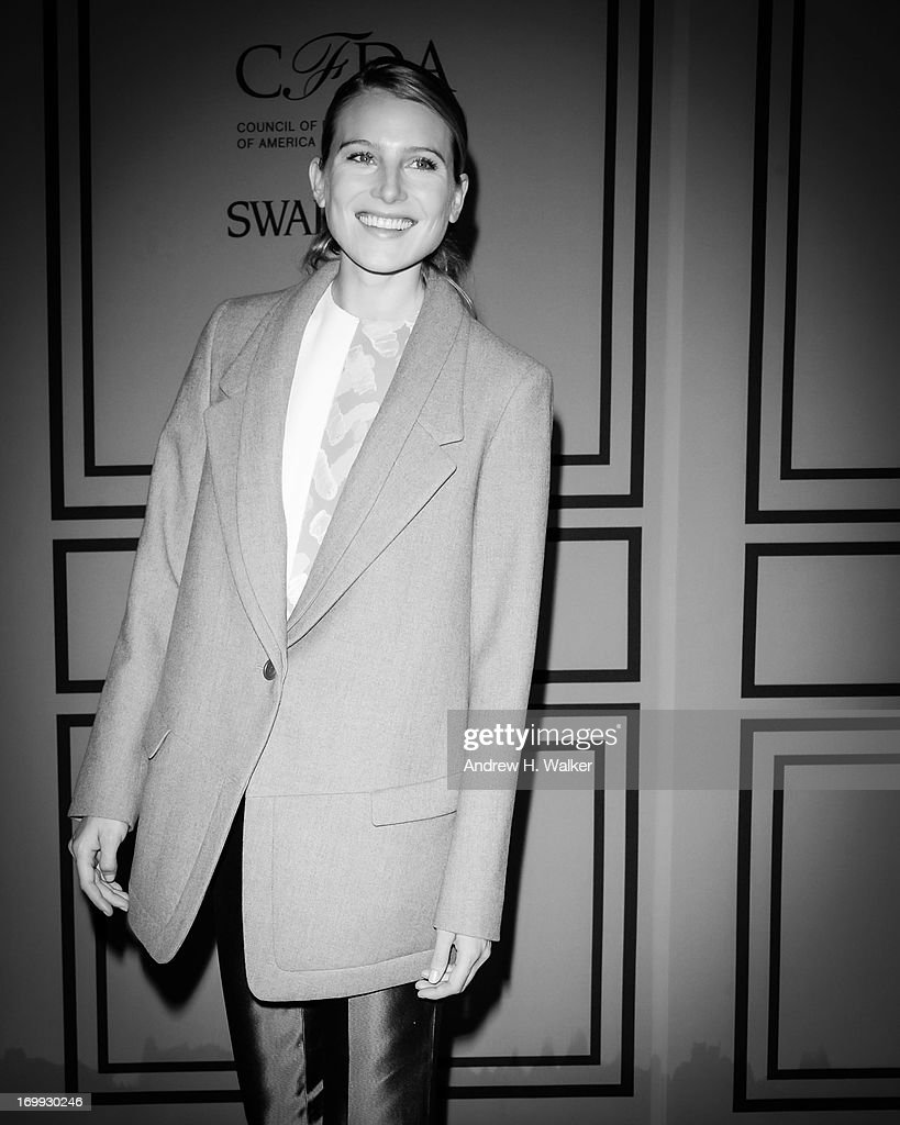 Model <a gi-track='captionPersonalityLinkClicked' href=/galleries/search?phrase=Dree+Hemingway&family=editorial&specificpeople=5650645 ng-click='$event.stopPropagation()'>Dree Hemingway</a> attends the 2013 CFDA Fashion Awards on June 3, 2013 in New York City.