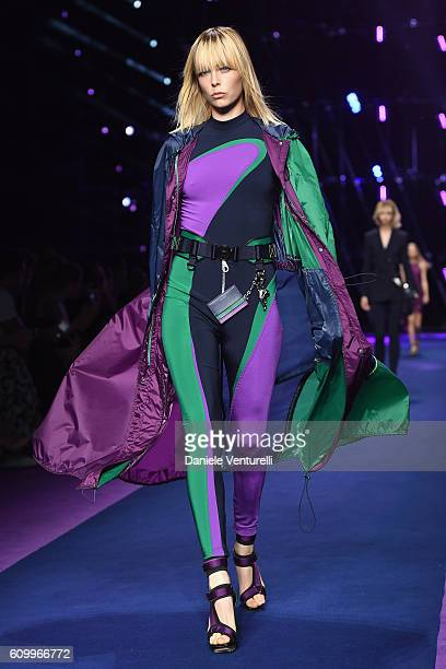 Model Edie Campbell walks the runway at the Versace show during Milan Fashion Week Spring/Summer 2017 on September 23 2016 in Milan Italy
