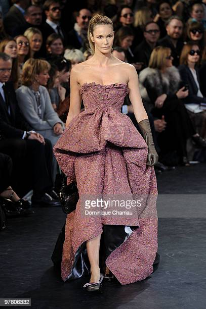Model Elle MacPherson walks the runway the Louis Vuitton Ready to Wear show as part of the Paris Womenswear Fashion Week Fall/Winter 2011 at Cour...