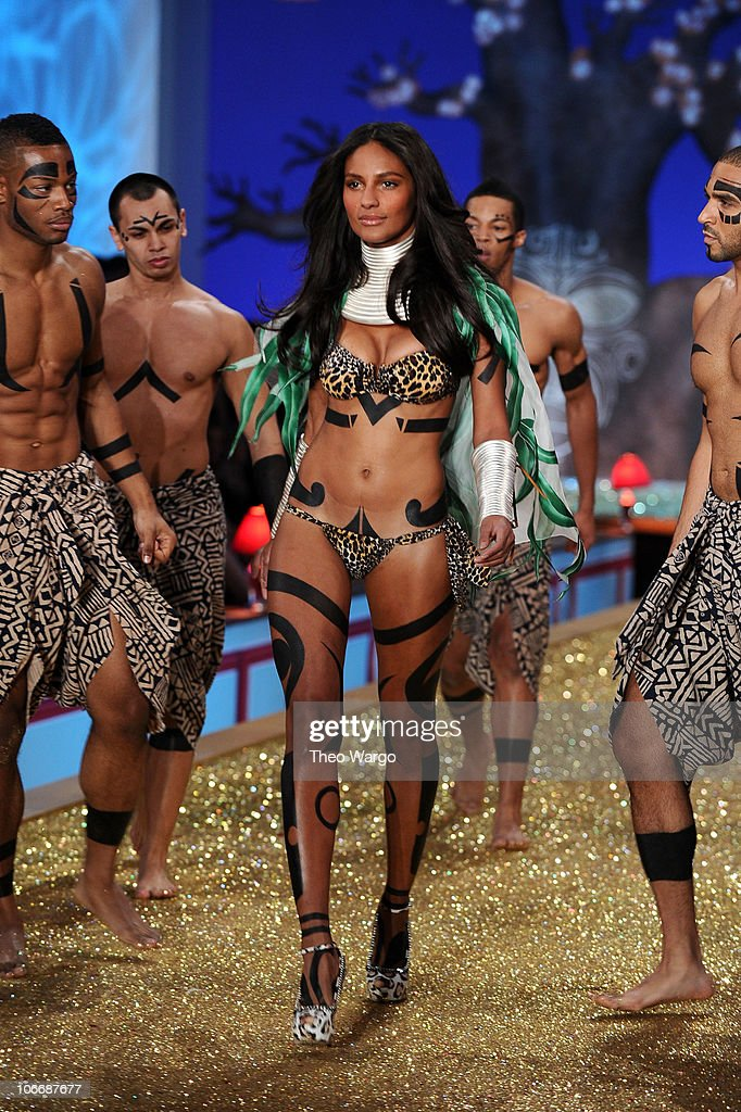 Model Emanuela De Paulo walks the runway during the 2010 Victoria's Secret Fashion Show at the Lexington Avenue Armory on November 10, 2010 in New York City.