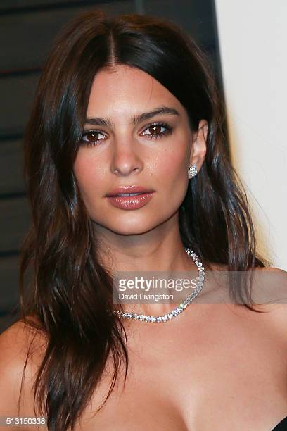 Model Emily Ratajkowski arrives at the 2016 Vanity Fair Oscar Party Hosted by Graydon Carter at the Wallis Annenberg Center for the Performing Arts...