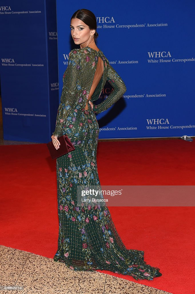 Model Emily Ratajkowski attends the 102nd White House Correspondents' Association Dinner on April 30, 2016 in Washington, DC.