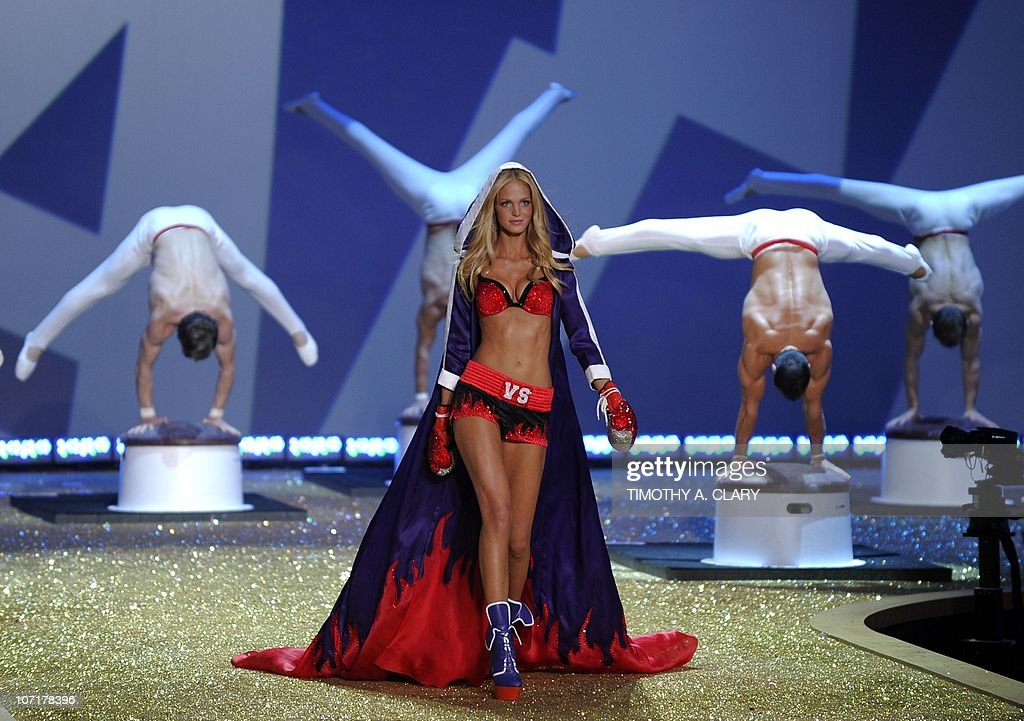 Model Erin Heatherton walks on stage during the 2010 Victoria's Secret Fashion Show at the Lexington Armory in New York November 10, 2010. The show will be broadcast November 30, 2010 on CBS.