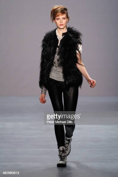 Model Esther Heesch walks the runway at the Marc Cain show during MercedesBenz Fashion Week Autumn/Winter 2014/15 at Brandenburg Gate on January 16...