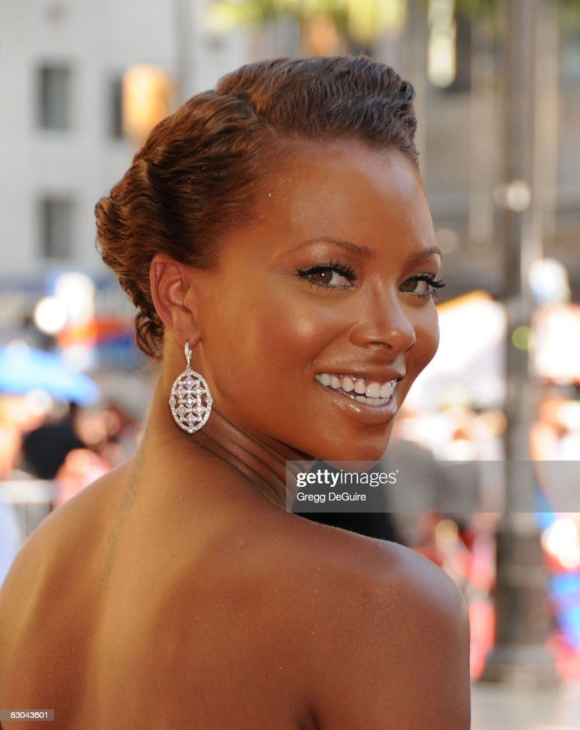 Model Eva Pigford arrives at the 35th Annual Daytime Emmy Awards at the Kodak Theatre on June 20, 2008 in Los Angeles, California.