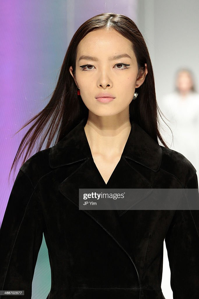 Model <a gi-track='captionPersonalityLinkClicked' href=/galleries/search?phrase=Fei+Fei+Sun&family=editorial&specificpeople=8624804 ng-click='$event.stopPropagation()'>Fei Fei Sun</a> walks the runway during the Christian Dior Cruise 2015 show at Brooklyn Navy Yard on May 7, 2014 in the Brooklyn borough of Brooklyn City.