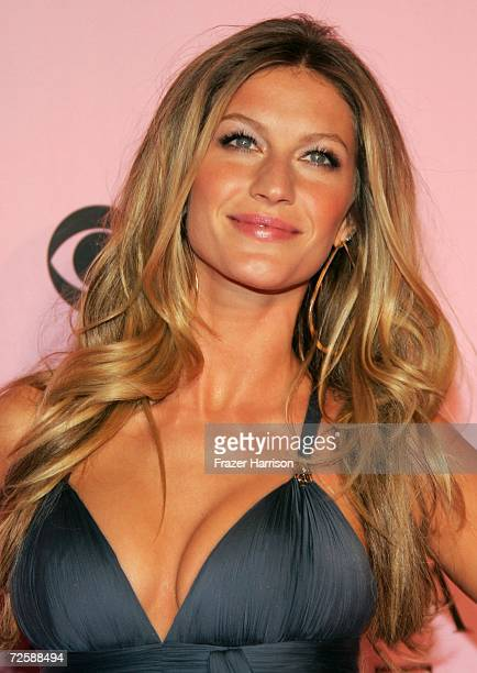 Model Gisele Bundchen arrives at the Victoria's Secret Fashion Show held at the Kodak Theatre on November 16 2006 in Hollywood California The show...