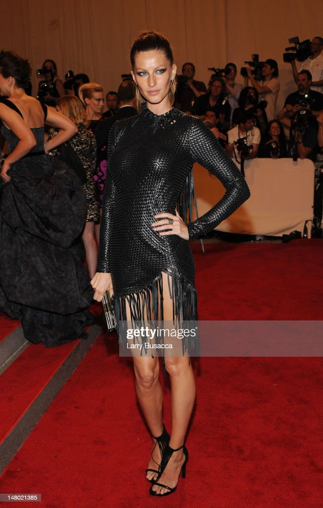 Model Gisele Bundchen attends the Costume Institute Gala Benefit to celebrate the opening of the 'American Woman: Fashioning a National Identity' exhibition at The Metropolitan Museum of Art on May 3, 2010 in New York City.