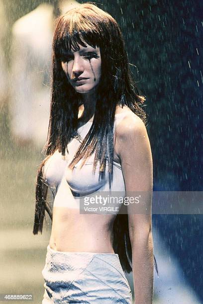 Model Gisele Bundchen walks the runway at the Alexander MacQueen show during the Spring/Summer 1998 Ready to Wear 1998 in London United Kingdom