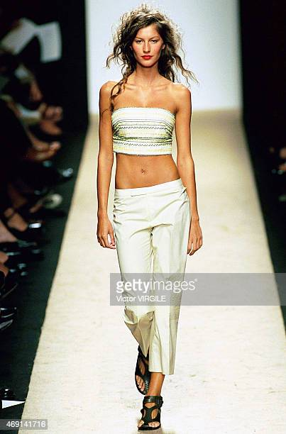 Model Gisele Bundchen walks the runway at the BCBG Spring/Summer Ready to Wear during the New York Fashion Week 2000 on September 22 1999 in New York...